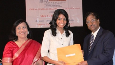 """Challenges are present in all aspects of life"" says Aashiya Khan, SIES TYBMS Topper 2013"