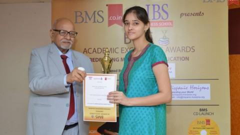 Felicitation of Irina Goel, TYBMS Topper, SIES College of Arts, Science and Commerce, Nerul