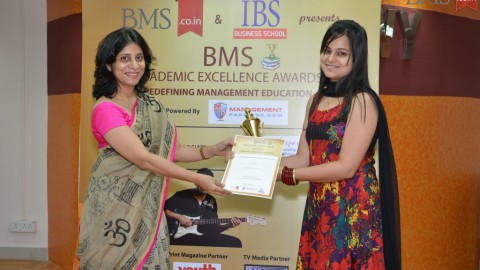 Felicitation of Neha Ahuja, TYBMS Topper, Guru Nanak College