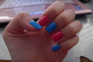 nails- alternate coloured
