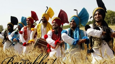 Top 10 Cute Awesome Colorful Happy Baisakhi / Vaisakhi 2014 SMS, Quotes, Messages In English For Facebook And Whatsapp