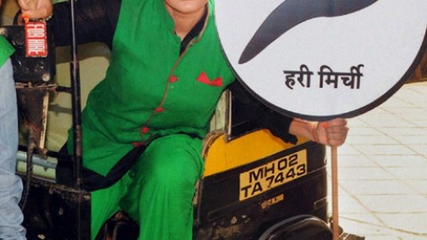 Rakhi Sawant termed herself that she is in a better situation then Arvind Kejriwal
