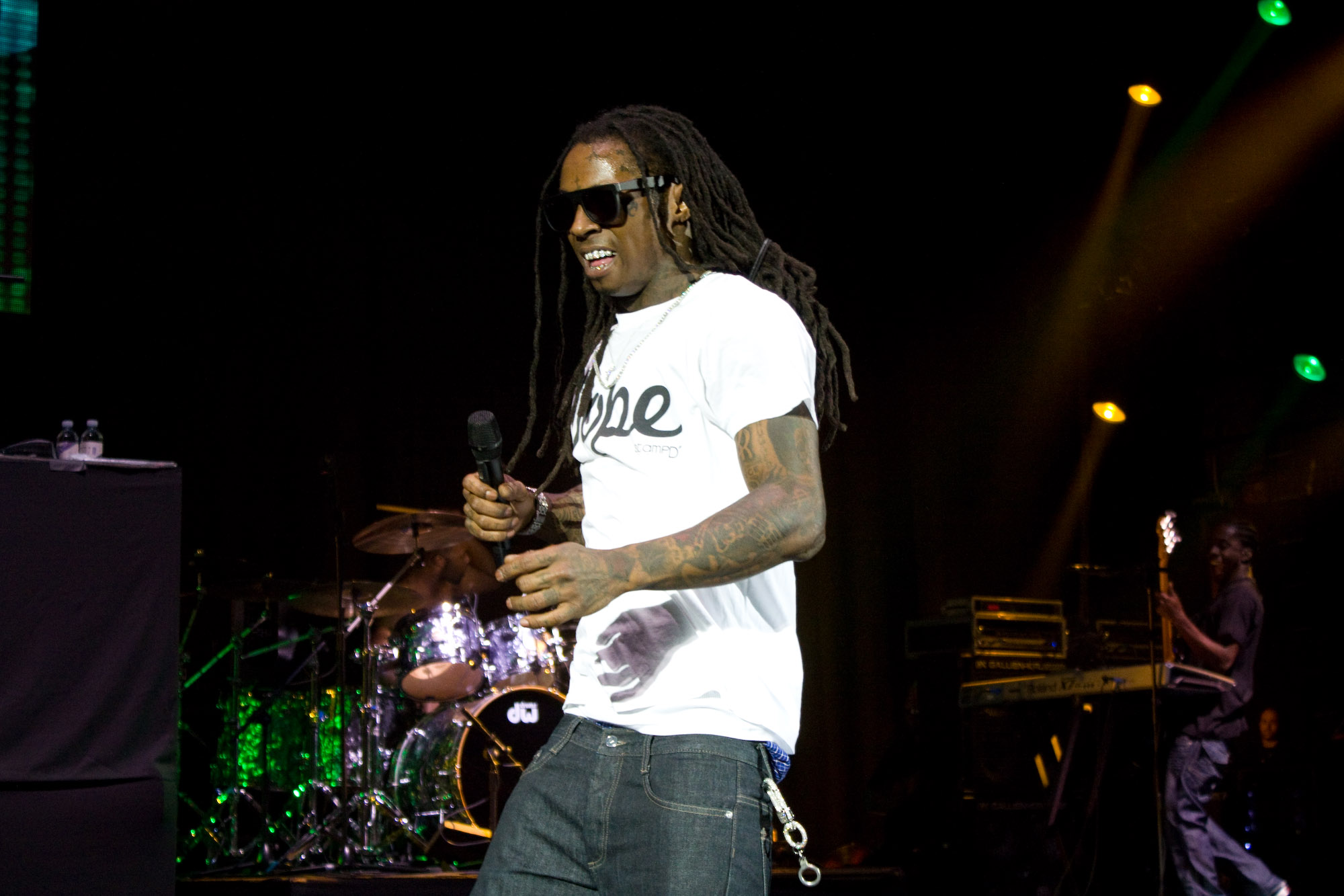 Lil-Wayne-live-at-HMV-Hammersmith-Apollo-London-49
