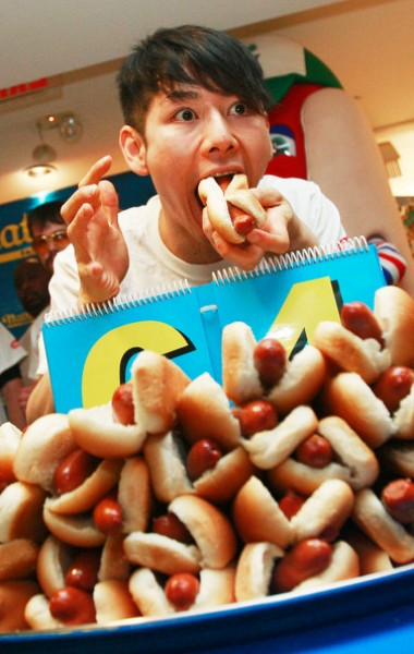 Top 3 Awesome Hot Dog Day 2014 Images, Wallpapers, Pictures For Facebook And WhatsApp