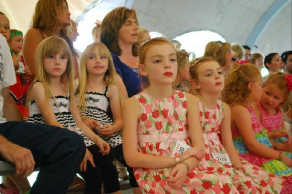 Twins Days Festival Hosts the World's Largest Annual Gathering of Twins, Twinsburg, Ohio