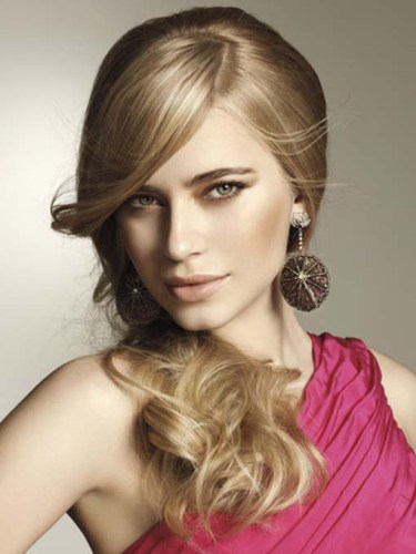Wedding-Side-Swept-Wedding-Hairstyles-picture