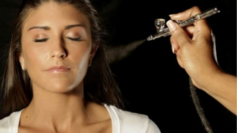 Marvelous Airbrush Makeup Tips for Beginners – Airbrush Makeup Tricks to Follow