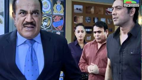 10 Awesome Hilarious 'CID' Jokes, Tweets, Facebook Status, WhatsApp Messages