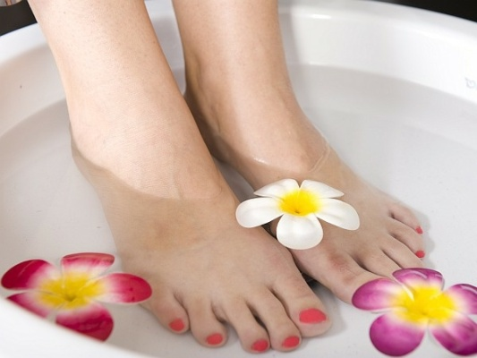 tips-on-How-to-do-a-pedicure-at-home