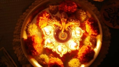 Top 3 Sweet Lovely Happy Dhanteras 2014 SMS, Quotes, Messages In Gujarati For Facebook And WhatsApp