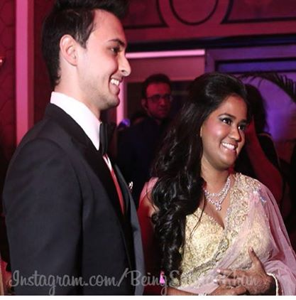 Arpita Khan Wedding WhatsApp Pictures, WeChat Images, LINE Photos Free