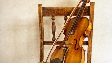 9 Amazing Violin Day Images, Wallpapers, Photos For Facebook, WhatsApp