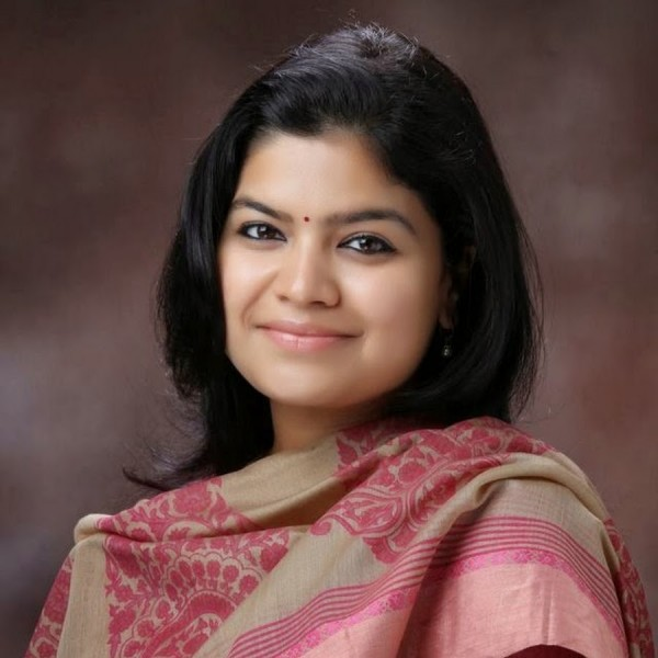 7 Interesting Facts That You Must Know About 'Poonam Mahajan'