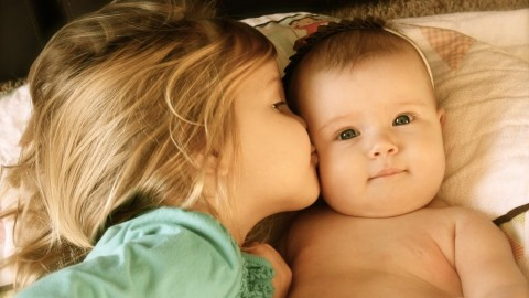 12 Amazing Things That Will Make You Feel Happy If You're The Second Child