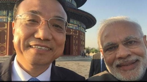 7 Amazing 'Modi-Li Selfie' Photos, Images, Pictures For Facebook, WhatsApp