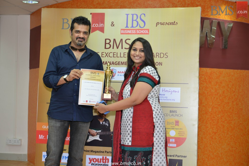 Felicitation of Saba Mir, TYBMS Topper, Valia College