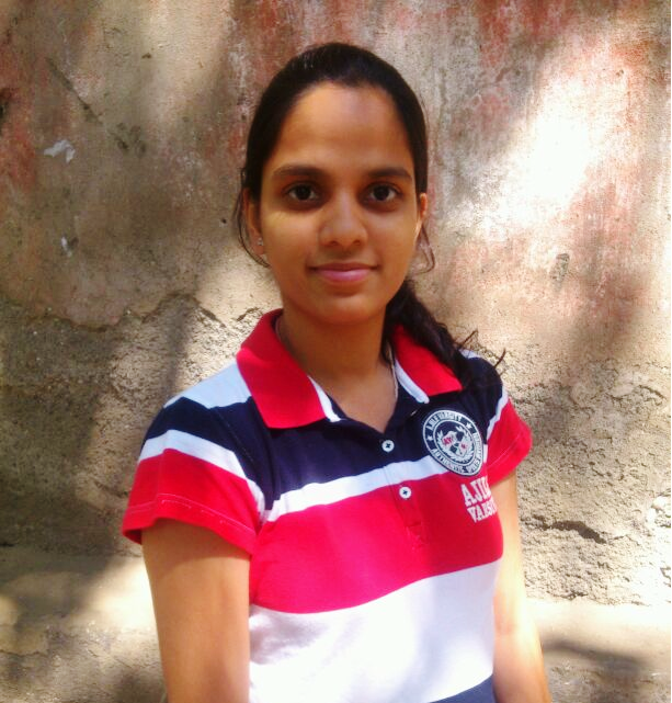 'Don't be a bookworm and have fun alongwith studies' says Bharati Sharma, TYBMS Sem 5 Topper 2013-14, D.G. Ruparel College