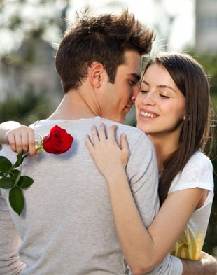 Top 25 Cute Awesome Lovely Romantic Happy Hug Day 2014 SMS, Quotes, Messages In English For Facebook And Whatsapp