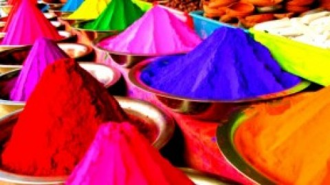 Amazingly helpful tips to help you make Natural Holi colours!