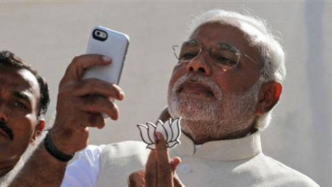 An FIR to be filed against Narendra Modi for violating election rules