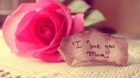 Top 10 Sweet Awesome Happy Mother's Day Shayari, SMS, Quotes, Messages, Status In Hindi For Facebook, WhatsApp