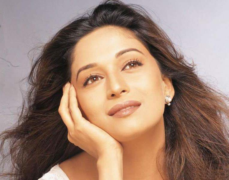 Dhak Dhak girl Madhuri Dixit turns 47 !!