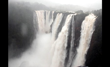 5 Amazing Places You Shouldn't Miss To Visit In Maharashtra