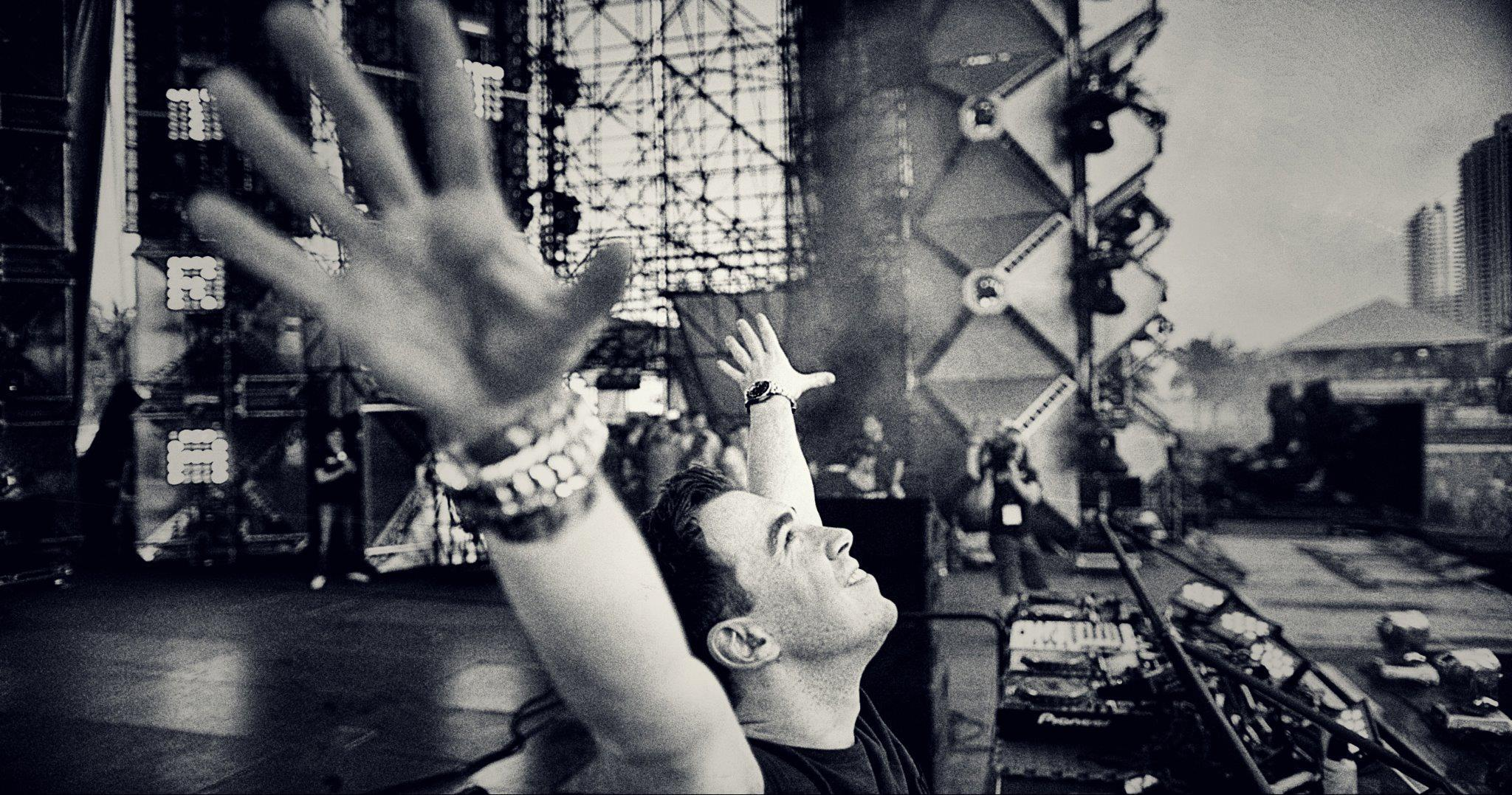 Top 10 amazing DJ's – The Secret To The World's Best Parties!