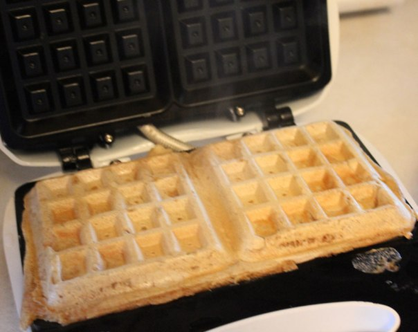 Happy Waffle Iron Day 2014 Greetings, Wishes, Images, HD Wallpapers For WhatsApp, Facebook