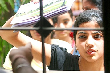 Review / Reconsider BMS Course : UGC says to Delhi University