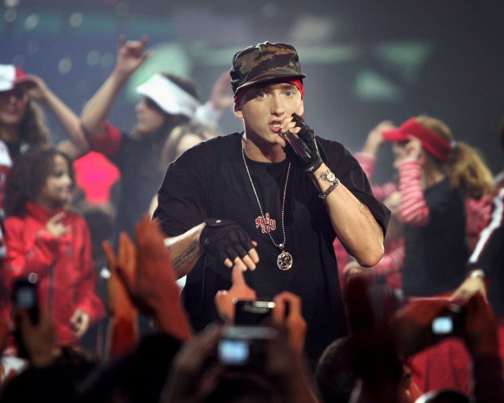 Eminem-Live-Performance-Celebrity-1024x1280