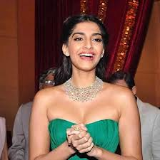 8 Facts about Sonam Kapoor