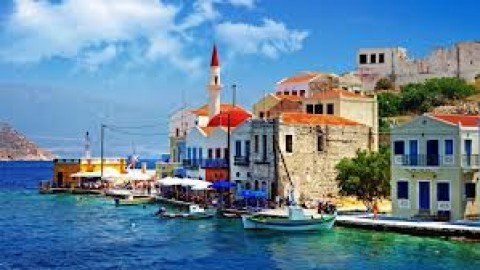 4 Reason's Why Visiting Greece Is Next On Your Agenda!