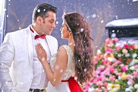 If you believe the world is falling in love with 'KICK', here is a review which you shouldn't miss!