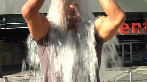 "Watch How Triple H takes the ""Ice Bucket Challenge"""