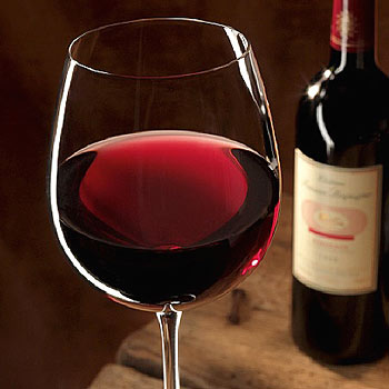 Stay Young With The Health Benefits of Red Wine
