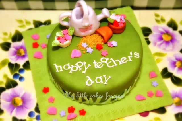 Top 3 Amazing Happy Teacher's Day 2014 SMS, Quotes, Messages In English For Facebook And WhatsApp