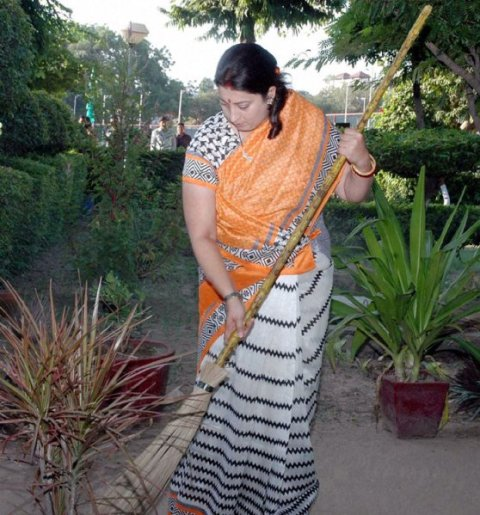Clean India Campaign Photos, Images, Wallpapers 2014