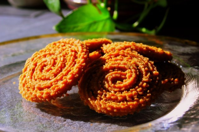5 Awesomely Yummy Diwali Special Snacks And Sweets You Must Surely Try!