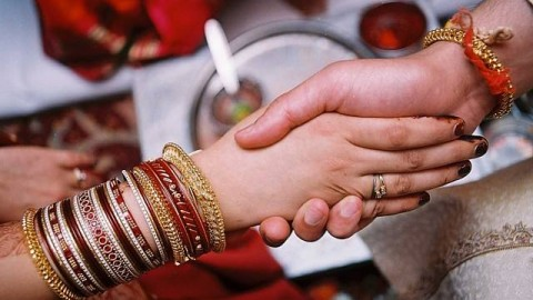 Karwa Chauth 2014 Quotes in English / Hindi To Share With Wife / Husband / Gf / Bf