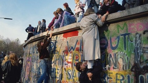 10 Surprising Facts of 'The Berlin Wall' That You Probably Don't Know