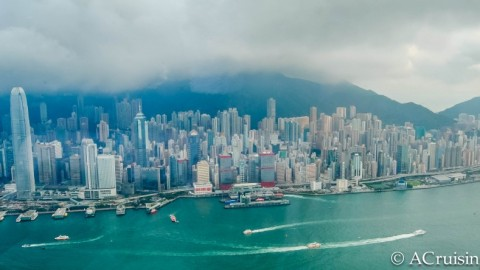 One day in Hong Kong : 24 Hours of Life In The City
