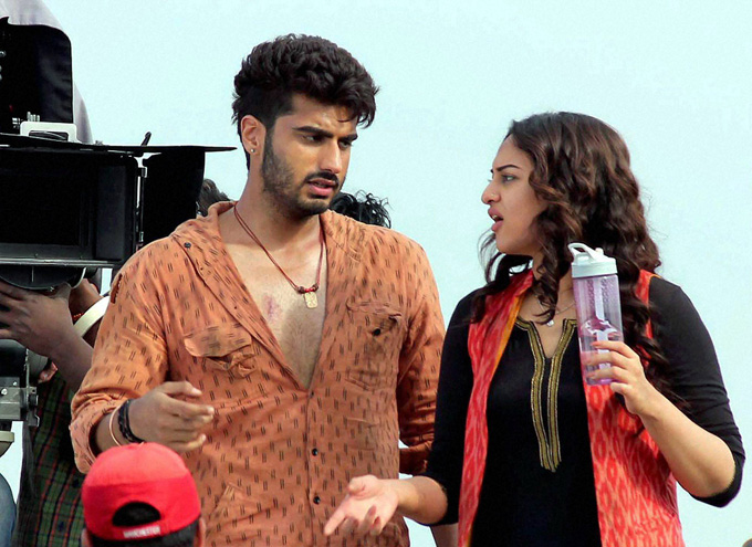 Watch The Super Amazing Official HD Trailer of 'Tevar' Starring Arjun Kapoor, Sonakshi Sinha