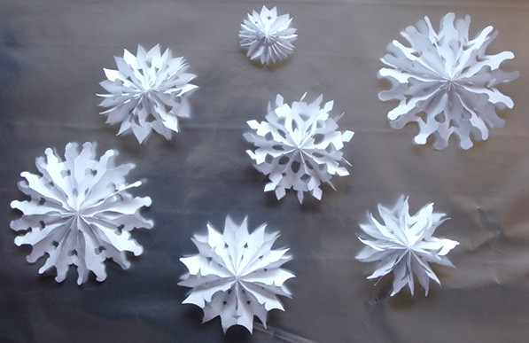 Make Cut Out Snowflakes Day  (3)