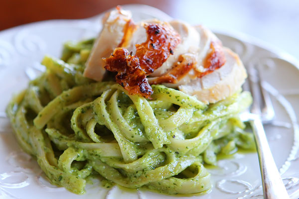 Pioneer-Woman-Pasta-with-Pesto-Cream-Sauce-Recipe-19