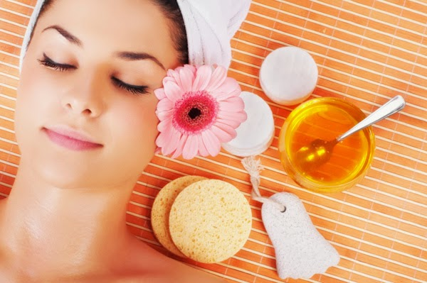 7 Effective Home Remedies For Beautiful And Glowing Skin