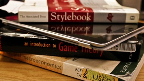 Tablets vs Textbooks- Which Is Better?