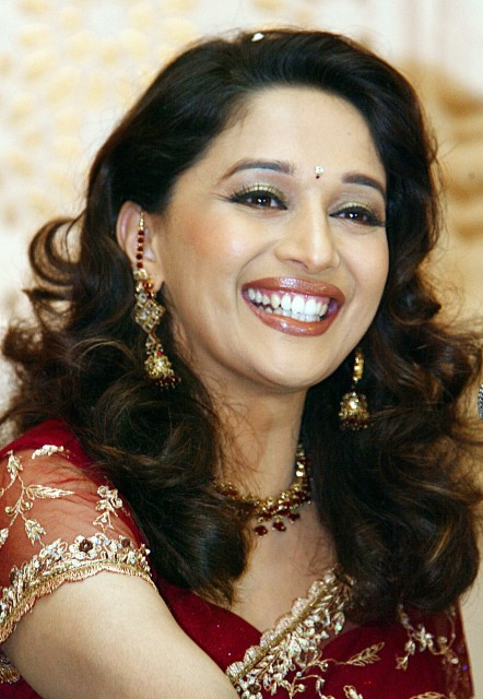 Madhuri Dixit Photos (6)