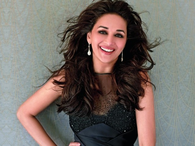 Madhuri Dixit Photos (7)