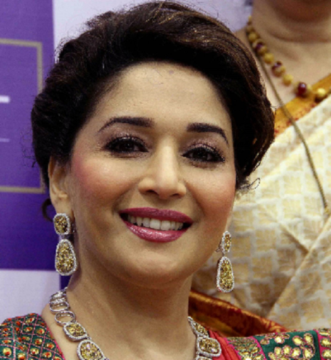 Madhuri Dixit Photos (9)